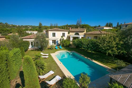 Mougins Villa Sleeps 8 Pool Air Con WiFi : Hebergement proche de Mougins