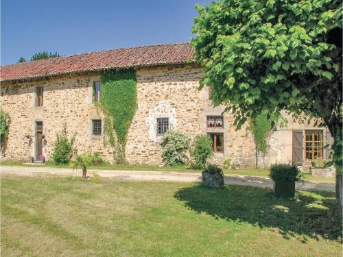 Holiday Home Lakeside Cottage : Hebergement proche de Bourganeuf