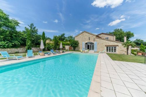 Beraut Villa Sleeps 16 Pool WiFi : Hebergement proche de Saint-Puy