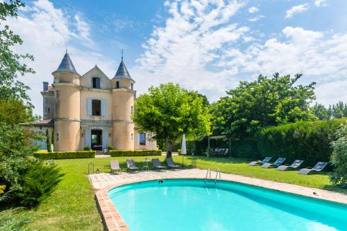 Jogue Chateau Sleeps 12 Pool WiFi : Hebergement proche de Virazeil