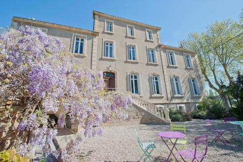 Canet-en-Roussillon Chateau Sleeps 14 Pool Air Con : Hebergement proche de Ginestas
