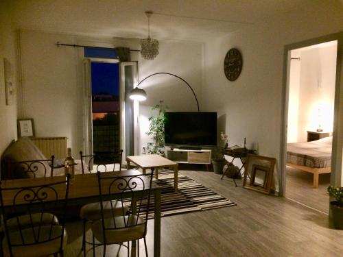 F3 wifi 6 couchages : Appartement proche de Toulouges