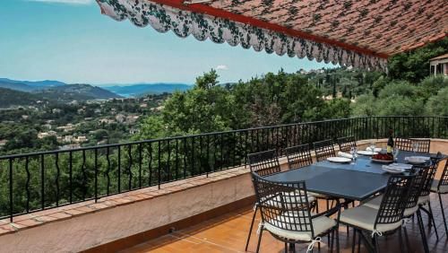 Speracedes Villa Sleeps 10 Pool WiFi : Hebergement proche de Saint-Vallier-de-Thiey