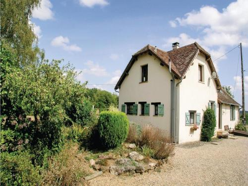 Three-Bedroom Holiday Home in Payzac : Hebergement proche de Lanouaille