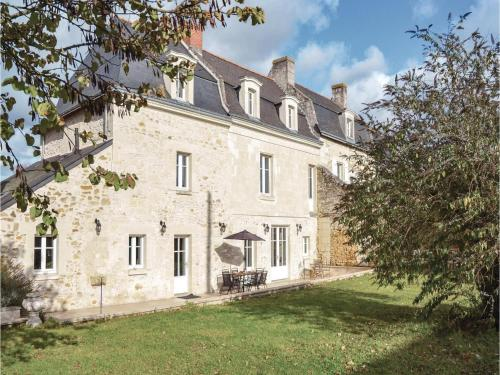 Four-Bedroom Holiday Home in Saint-Louans,Chinon : Hebergement proche de Chinon