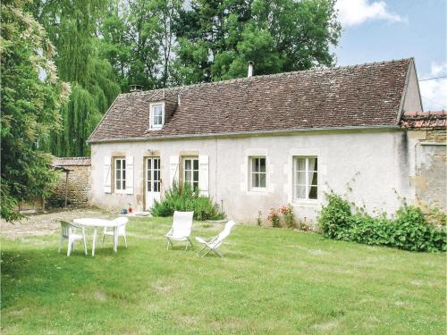 Holiday Home St. Jean Aux Amognes with a Fireplace 08 : Hebergement proche d'Alluy