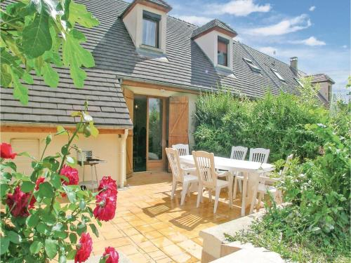 Holiday Home Mesnil St Pere Cottages De Port : Hebergement proche de Montiéramey