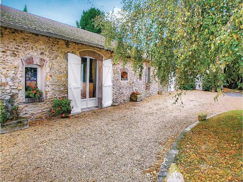 Holiday Home Le Pressoir : Hebergement proche de Chatignonville