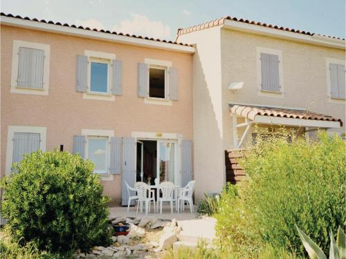 Two-Bedroom Holiday Home in Calvisson : Hebergement proche de Boissières
