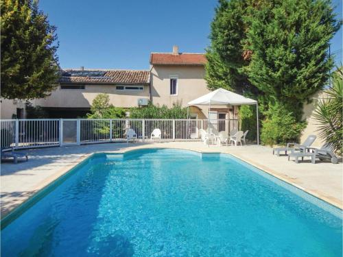 Six-Bedroom Holiday Home in Montagnac : Hebergement proche d'Aumes