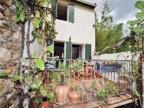 Two-Bedroom Holiday Home in Ceret : Hebergement proche de Tordères