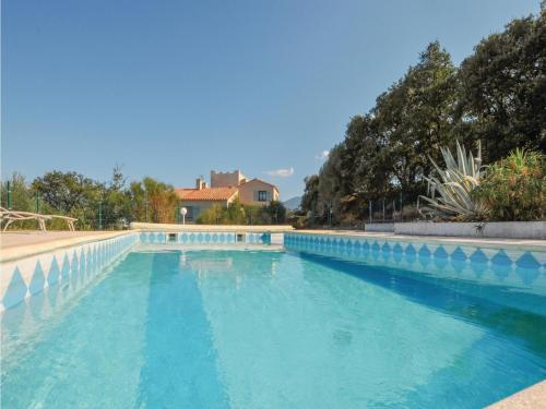 Two-Bedroom Holiday Home in Banyuls Dels Aspres : Hebergement proche de Montesquieu-des-Albères