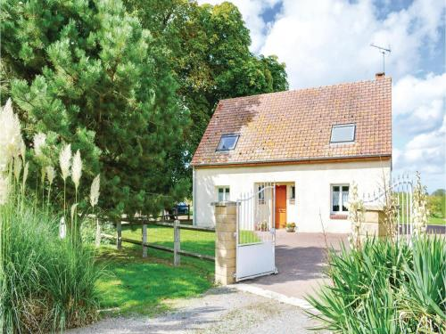 Four-Bedroom Holiday Home in Saigneville : Hebergement proche de Francières