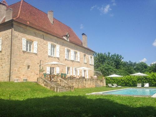 Le Bourg Villa Sleeps 12 Pool Air Con WiFi : Hebergement proche de Sainte-Colombe