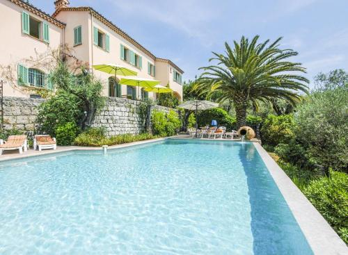 Hébergement Grasse Villa Sleeps 8 Pool