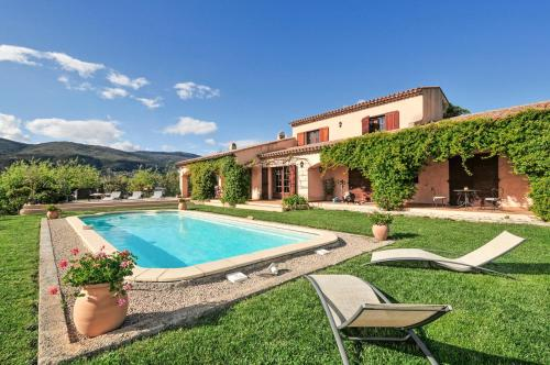 Le Plan-de-Grasse Villa Sleeps 8 Pool Air Con WiFi : Hebergement proche d'Opio