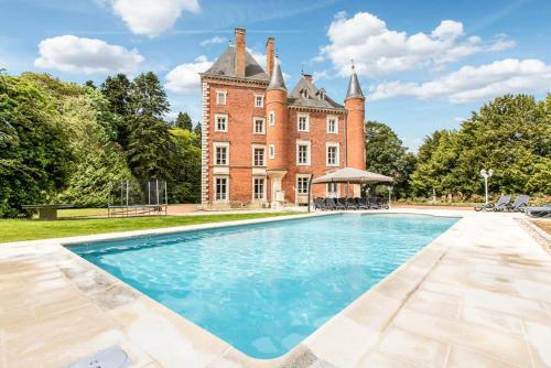 Photo Vescours Chateau Sleeps 20 Pool WiFi