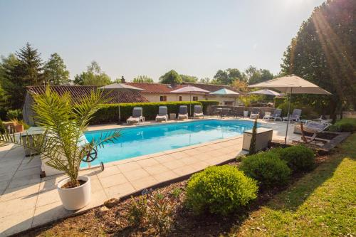 Photo Saint-Front-la-Riviere Villa Sleeps 8 Pool WiFi
