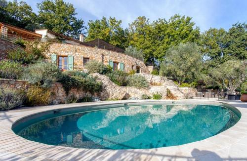 Opio Villa Sleeps 8 Pool Air Con WiFi : Hebergement proche d'Opio