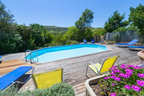 Laurac Villa Sleeps 8 Pool WiFi : Hebergement proche de La Courtète