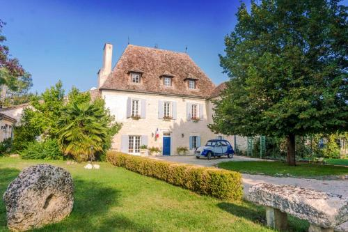 La Sauvetat-du-Dropt Chateau Sleeps 20 Pool Air Con : Hebergement proche de Moustier