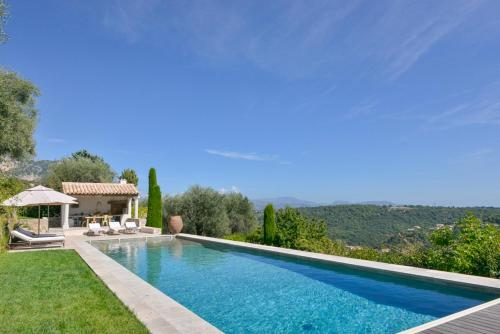 Vence Villa Sleeps 12 Pool Air Con WiFi : Hebergement proche de Coursegoules