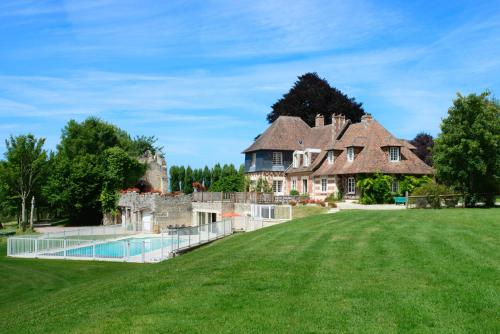 Hébergement Pennedepie Chateau Sleeps 22 Pool WiFi