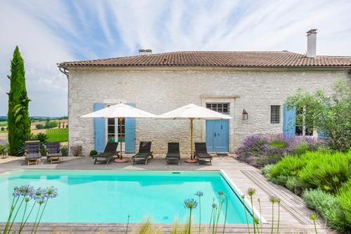 Loubes-Bernac Villa Sleeps 6 Pool WiFi : Hebergement proche de Moustier