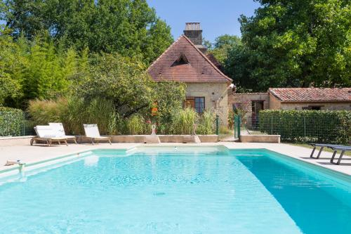 Mauzac-et-Grand-Castang Villa Sleeps 16 Pool WiFi : Hebergement proche de Lalinde