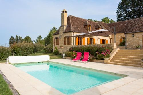 Savignac-de-Miremont Villa Sleeps 8 Pool WiFi : Hebergement proche de Journiac