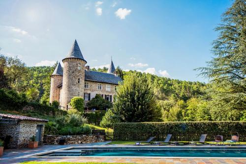 Chamborigaud Chateau Sleeps 18 Pool WiFi : Hebergement proche de Bordezac