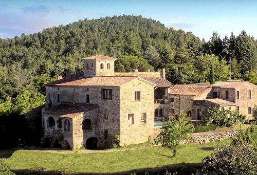 Banne Chateau Sleeps 20 Pool WiFi : Hebergement proche de Berrias-et-Casteljau