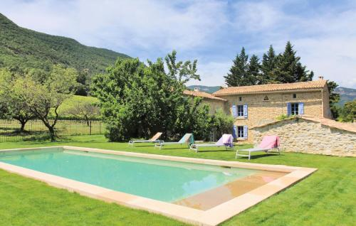 Bourg-de-Peage Villa Sleeps 12 Pool WiFi : Hebergement proche d'Orcinas
