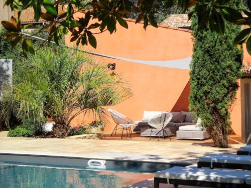 Saint-Thibery Villa Sleeps 9 Pool WiFi : Hebergement proche de Valros