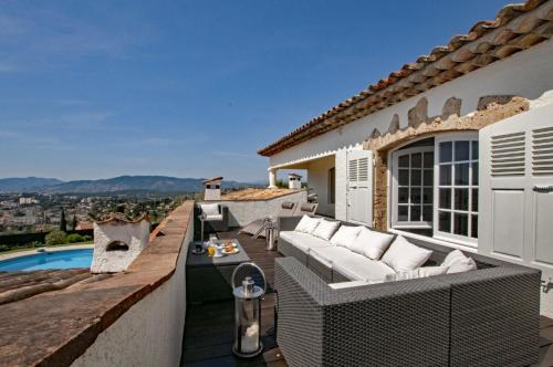 Mougins Villa Sleeps 14 Pool WiFi : Hebergement proche de Mougins