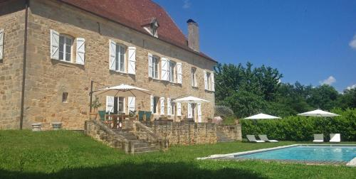 Le Bourg Villa Sleeps 10 Pool WiFi : Hebergement proche de Sainte-Colombe