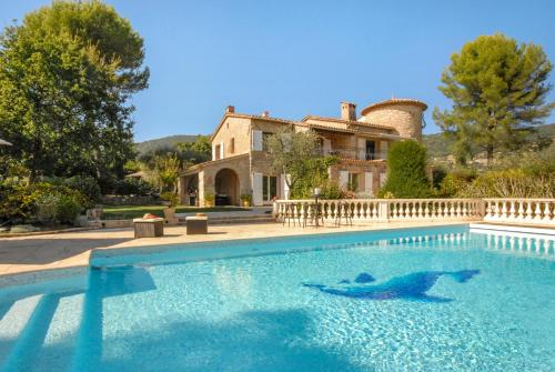 Speracedes Villa Sleeps 11 Pool WiFi : Hebergement proche de Tanneron