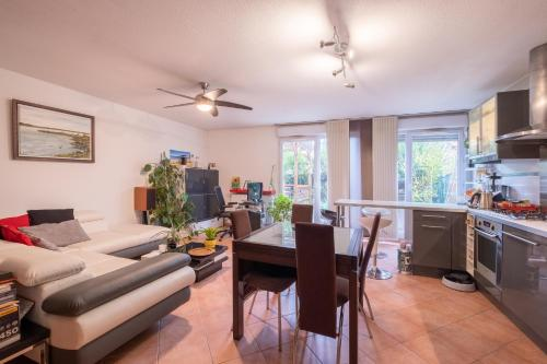 Appartement New! A spacious flat with garden!