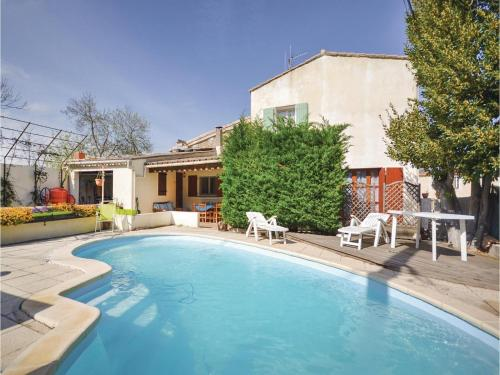 Three-Bedroom Holiday Home in Ornaisons : Hebergement proche de Lézignan-Corbières