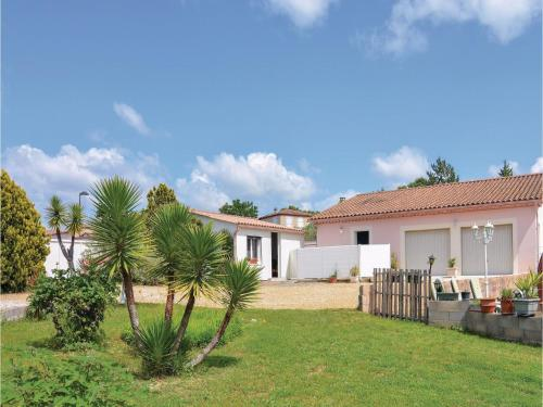 0-Bedroom Holiday Home in Moulezan : Hebergement proche de Logrian-Florian