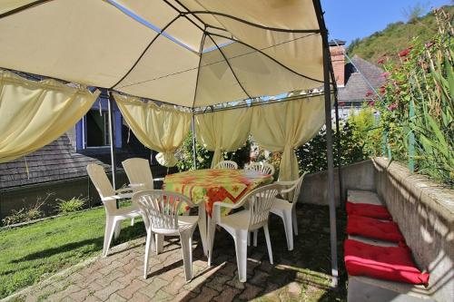 Holiday home Rue du Montaigu : Hebergement proche de Loucrup