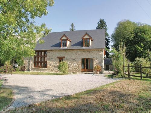Four-Bedroom Holiday Home in Affieux : Hebergement proche de Saint-Salvadour
