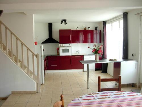 Holiday home Rue nationale : Hebergement proche de Saint-Guen