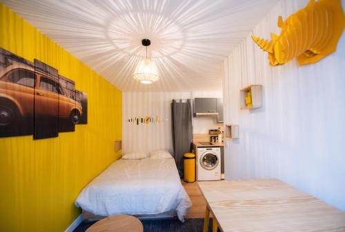 Le studio Yellow : Appartement proche de Champagne-au-Mont-d'Or