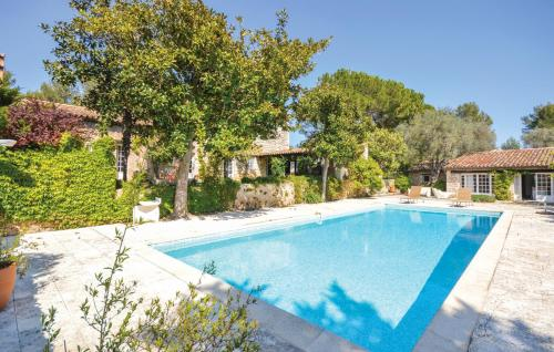 Le Rouret Villa Sleeps 12 Pool WiFi : Hebergement proche d'Opio