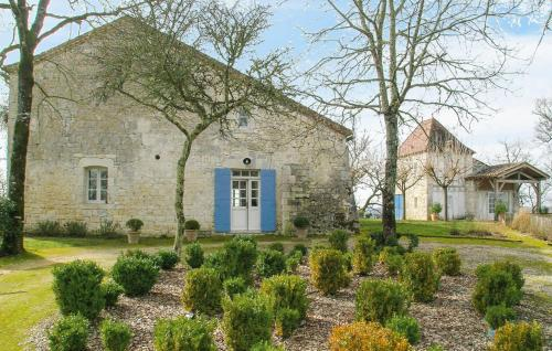 Beauville Villa Sleeps 12 Pool WiFi : Hebergement proche de Montaigu-de-Quercy