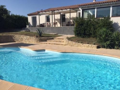 Villa On the Rocks : Hebergement proche de Limousis