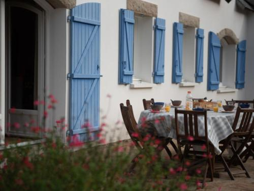 La Trinite-sur-Mer Villa Sleeps 8 Pool WiFi : Hebergement proche de Saint-Philibert