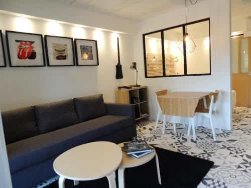 STUDIO DE LA BADE : Appartement proche de Limousis
