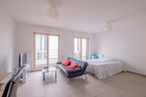 *CENTRAL* Spacious studio in the center! : Appartement proche d'Oullins